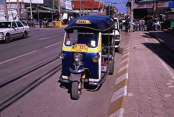 アジアの三輪タクシー: Cafe de Castella